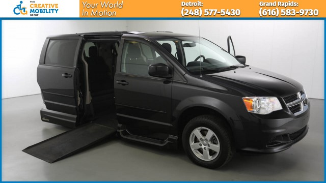2013 Dodge Grand Caravan  Wheelchair Van For Sale