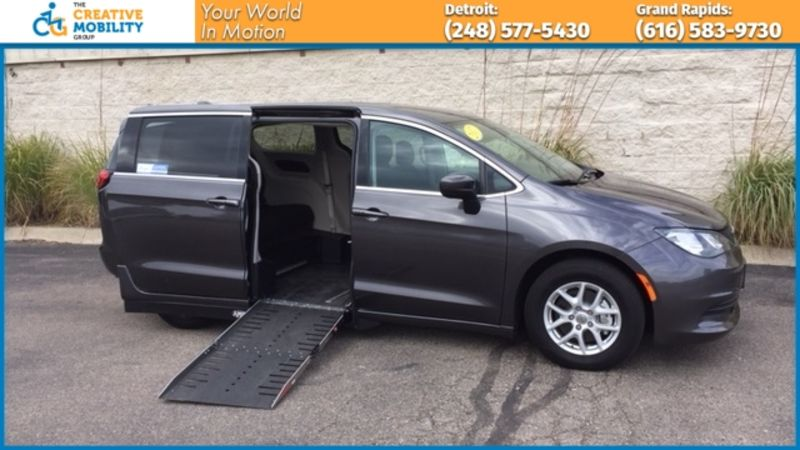 2017 Chrysler Pacifica  Wheelchair Van For Sale